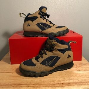 Vintage Nike ACG Hiking boots